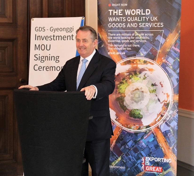 Dr Liam Fox addressing Korean delegation